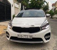 Cần bán xe Kia Rondo GATH đời 2018, màu trắng