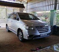 Cần bán lại xe Toyota Innova 2015, màu bạc