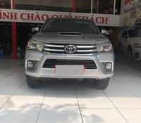 Cần bán gấp Toyota Hilux 2016, màu bạc, xe nhập