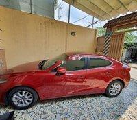 Cần bán gấp Mazda 3 2018, màu đỏ xe gia đình