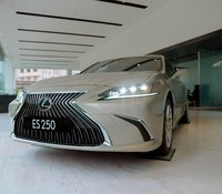 Bán xe Lexus ES 250 2020, nhập khẩu chính hãng, mới 100%, giao ngay