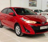 Cần bán gấp Toyota Vios sản xuất 2018, màu đỏ