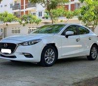 Nhà có xe Mazda 3 sản xuất 2017, màu trắng cần bán