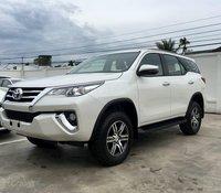 Cần bán xe Toyota Fortuner 2.4G sản xuất 2020, màu trắng, giá tốt