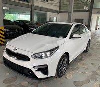 Cần bán xe Kia Cerato 2020, màu trắng