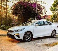 Bán Kia Cerato sản xuất năm 2020, màu trắng, nhập khẩu giá cạnh tranh