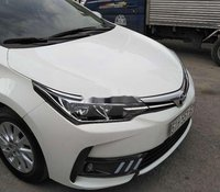 Cần bán lại xe Toyota Corolla năm 2018, màu trắng còn mới, giá chỉ 580 triệu
