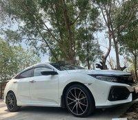 Bán Honda Civic năm sản xuất 2018, màu trắng, 650tr