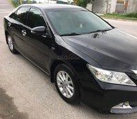 Cần bán Toyota Camry 2.0E năm 2013, màu đen số tự động