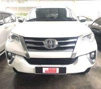 Bán xe Toyota Fortuner 2019, màu trắng, nhập khẩu