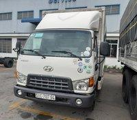 Xe Hyundai HD65 sản xuất năm 2015, màu trắng, giá chỉ 450 triệu, hạ tải vào thành phố, tổng tải trọng 4990kg, xe thùng kín inox toàn