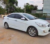 Bán xe Hyundai Accent 1.4 AT đời 2013, màu trắng, nhập khẩu nguyên chiếc còn mới, giá 370tr