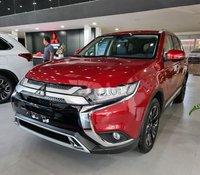 Cần bán Mitsubishi Outlander đời 2020, màu đỏ