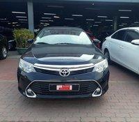 Cần bán xe Toyota Camry sản xuất năm 2017, giá chỉ 860 triệu