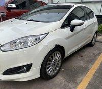 Cần bán lại xe Ford Fiesta đời 2015, màu trắng
