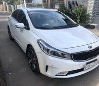 Bán xe giá thấp Kia Cerato 1.6 AT đời 2017, màu trắng, nhập khẩu, xe còn mới hoàn toàn