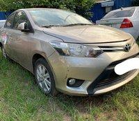 Rao bán gấp chiếc xe Toyota Vios E đời 2017, màu vàng cát, số sàn