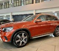 Giảm giá cực sốc! Khi mua Mercedes GLC 300 đời 2020, màu đỏ