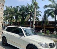 Cần bán xe Mercedes GLK sản xuất năm 2009, màu trắng