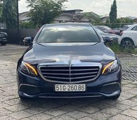 Cần bán xe Mercedes E200 sản xuất năm 2016, màu xanh lam