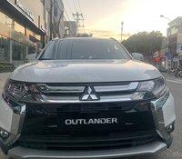Hỗ trợ giao xe nhanh tận nhà với chiếc Mitsubishi Outlander 2.0 CVT đời 2019, có sẵn xe, giao nhanh