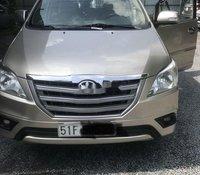 Cần bán lại xe Toyota Innova sản xuất năm 2015 chính chủ