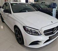 Cần bán xe Mercedes C300 AMG sản xuất năm 2019, màu trắng