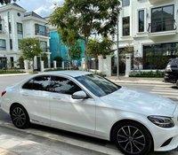 Mercedes C200 model 2019, đăng ký 2020