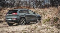 164.000 xe Jeep Cherokee bị triệu hồi bởi nguy cơ cháy nổ điện