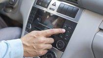 Nghe nhạc trên xe có thể khiến bạn gặp tai nạn