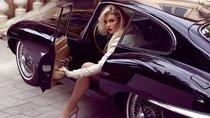Chiêm ngưỡng bộ ảnh 'người đẹp và xe' của siêu mẫu Playboy bên Jaguar E-Type