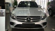 Bán Mercedes GLC300 4 Matic đời 2018, màu bạc