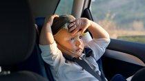 Đâu là giải pháp ngăn ngừa nguy cơ say nóng của trẻ nhỏ khi bị quên trong xe ô tô?