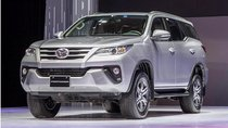 Trong 'cơn bão' giá, các mẫu ô tô 'ăn khách' nào của Toyota được giảm?