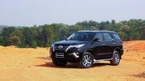Ít giảm giá, Toyota Fortuner vẫn bán gần 2.000 xe trong tháng 8