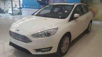 Cần bán xe Ford Focus Trend 1.5 AT Ecoboost 2018, màu trắng, hỗ trợ trả góp lên đến 90%