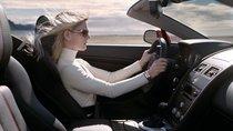 Phụ nữ nên chọn ô tô số sàn hay số tự động?