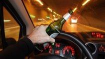 Ngày Tết, uống bao nhiêu bia rượu sẽ bị phạt khi lái ô tô?
