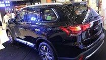 Bán xe Mitsubishi Outlander CVT 2.0 Premium sản xuất 2018, màu đen, 908 triệu