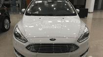 Bán xe Ford Focus sản xuất 2019, đủ màu, giao ngay toàn quốc, trả trước thấp