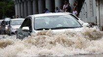 Xe ô tô bị ngập nước, cần làm gì ngay?