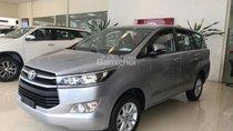 Bán xe Toyota Innova 2.0E năm 2018, màu bạc, giao ngay, giá tốt, trả góp 80%