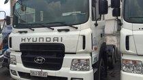 Cần bán đầu kéo Hyundai HD 700 sản xuất 2015, màu trắng