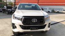 Toyota Hilux 2018 đã về đại lý nhưng chưa thể bàn giao cho khách hàng