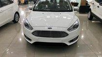 Bán xe Ford Focus 1.5 AT 2018, khuyến mãi: Bảo hiểm vật chất, phim, camera, lót sàn - LH: 0935.437.595 để được tư vấn