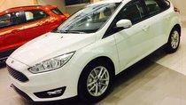 Vĩnh Phúc Ford bán Ford Focus 1.5 Ecoboost 5D Trend 2018, màu trắng, hỗ trợ trả góp 80% Lh 0974286009