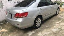 Cần bán xe Toyota Camry 2.4G 2008 màu bạc zin
