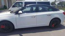 Bán ô tô Chevrolet Cruze 2016, màu trắng xe gia đình