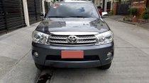 Bán xe Toyota Fortuner V đời 2010 số tự động máy xăng, màu xám chì