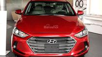 Bán xe Hyundai Elantra 2.0AT 2018, màu đỏ tặng phụ kiện, xe giao ngay